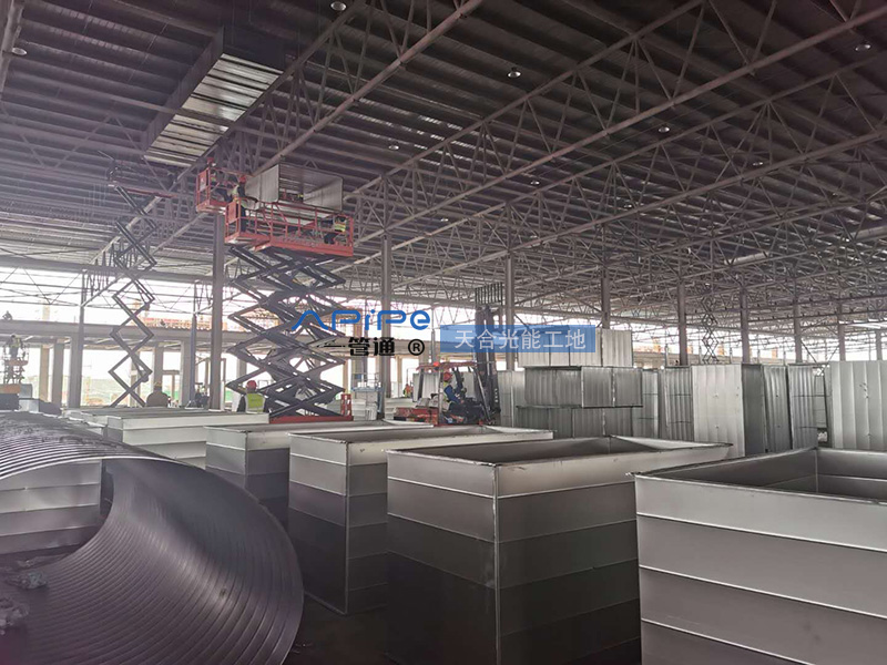 天合光能股份公司通风管道工程工地现场